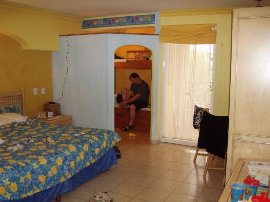 puerto vallarta chat rooms Bel air vallarta presents  have the easiest way to book your stay at krystal grand nuevo vallarta chat with one of  we expand our room list from 215 rooms to.