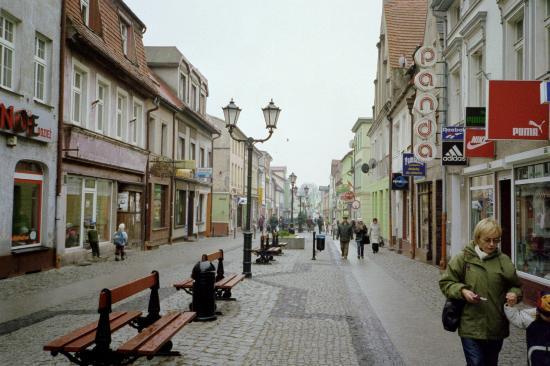 Darłowo, Polska: Walking street in Darlowo