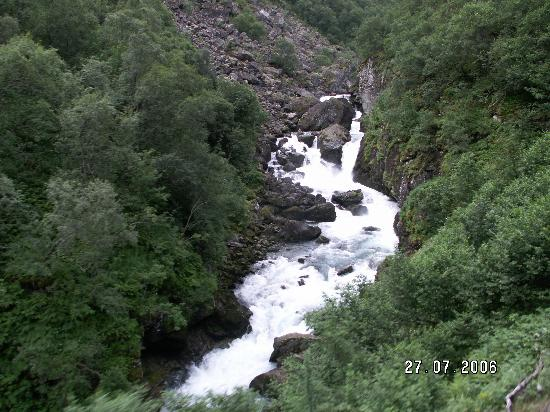 The Flam Railway : River at the bottom of the valley