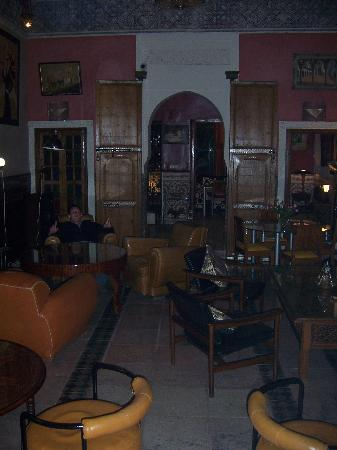 Riad Malika: drawing room