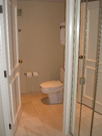 Miami Marriott Dadeland: Toilet