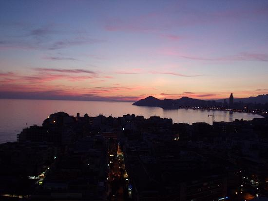 Hotel Madeira Centro: Just a couple minutes after sunset