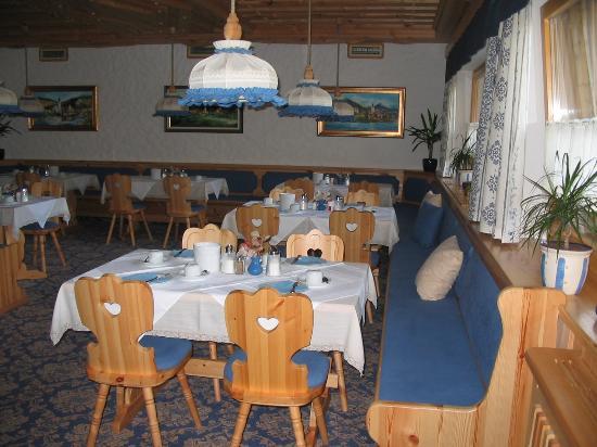 Garni Hotel Berc: breakfast room