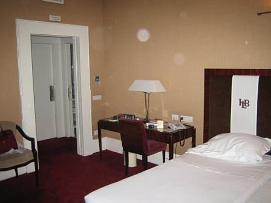 Hotel Lord Byron: Different view of a junior suite