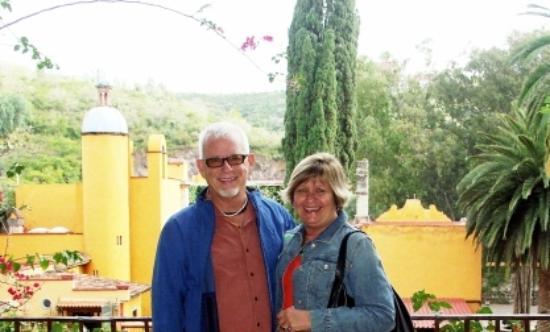 كازا بويستا ديل سول: The TravelingHombodies in Guanajuato