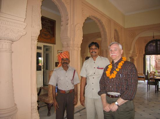 Lallgarh Palace: Doorman with Driver and Guest