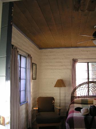 29 Palms Inn: room view4