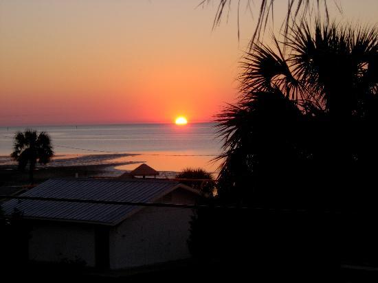 Park Place in Cedar Key: sunrise from balcony