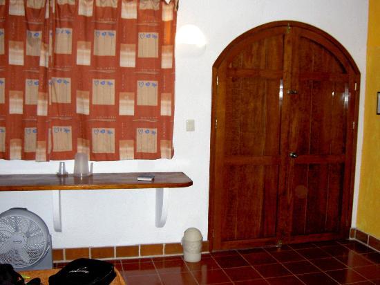 Paraiso Azul's -Casa De Gopala: Door