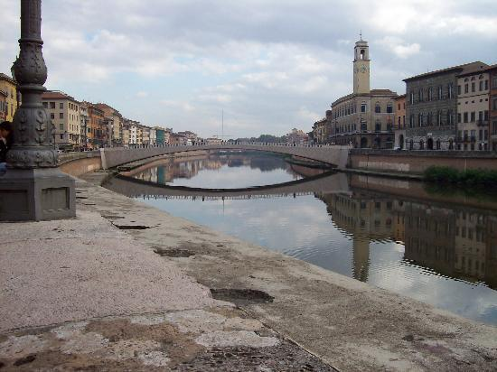Пиза, Италия: Pisa along the water