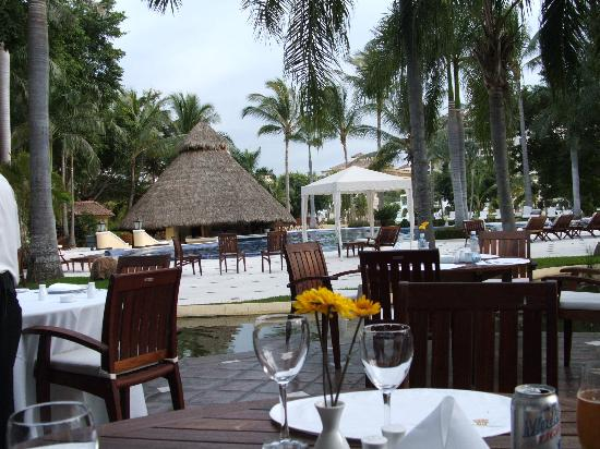 Casa Velas: resturant by the pool