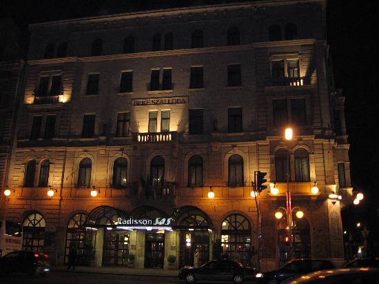 Radisson Blu Beke Hotel, Budapest: Exterior of hotel