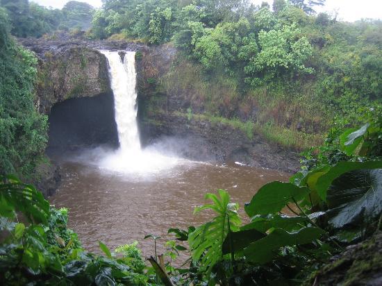Hilo, هاواي: Rainbow Falls