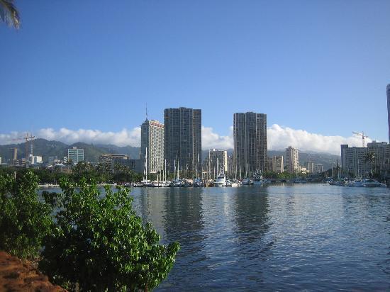 Hilo, HI: Waikiki City LIne