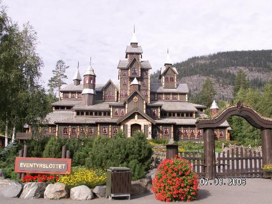 Lillehammer, Noruega: The fairytale palace