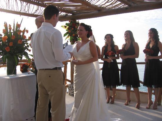 Hotel Playa Fiesta: The Happy Couple, 12/9/06