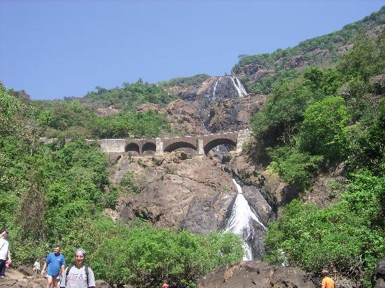 Mollem National Park, Indien: Dudhsagar Waterfalls