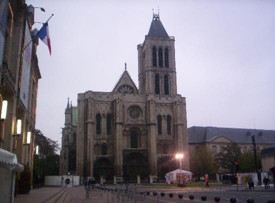 Campanile Paris Nord - Saint Denis Centre - Grand Stade Photo