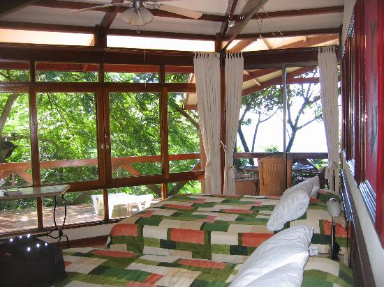 Tulemar Bungalows & Villas : bedroom with sweeping views