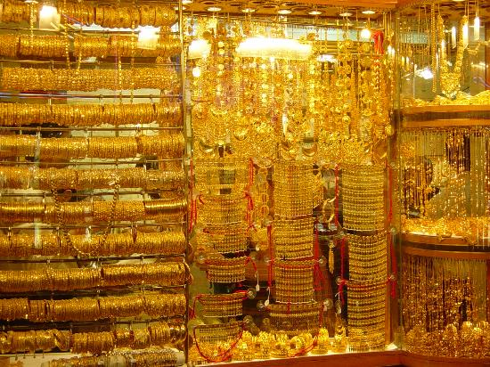 Gold Souk: The gold boutiques display windows is lit up brilliantly to show off their gold-wear shades!