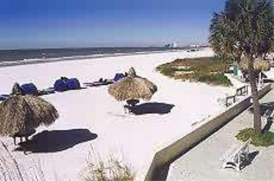 Hideaway Sands Resort: Beach