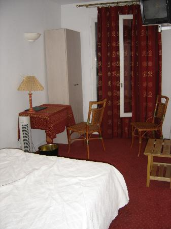 Hotel de l'Avre: Our room!
