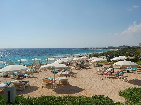 Grecian Sands Hotel: Upper Deck Beach Area