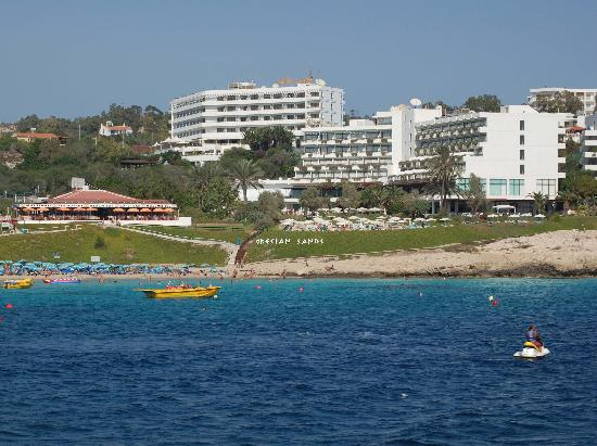 Grecian Sands Hotel: View of Hotel and Maistraili Restaurant from Boat