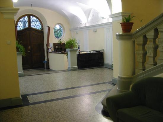 Hotel u Svateho Jana: The lobby