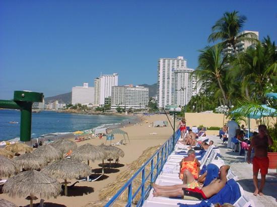 Copacabana Beach Hotel With Palapas