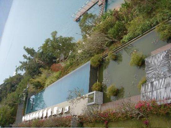 The Lalu Sun Moon Lake: beautiful swimming pool