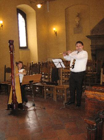 Le Gelosie Bed and Breakfast and Apartments: Music during the ceremony