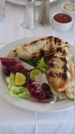 Jamaica Inn : lunch - chicken sandwich homemade bread