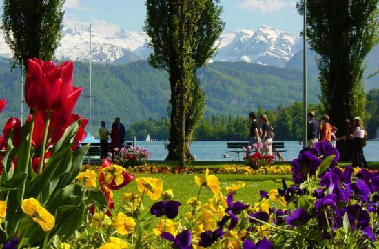 Lucerna, Suiza: Lake Side Promenade Lucerne, Switzerland