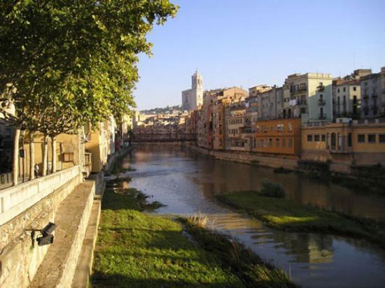 Gerona, Spanien: Girona Riverside
