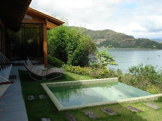Ponta dos Ganchos Exclusive Resort: private garden