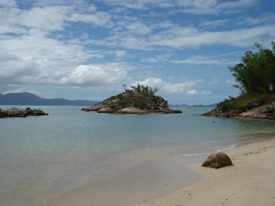 Ponta dos Ganchos Exclusive Resort: beach