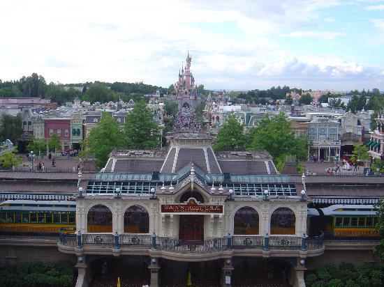 Disneyland Hotel: Vue sur le parc depuis la suite présidentielle