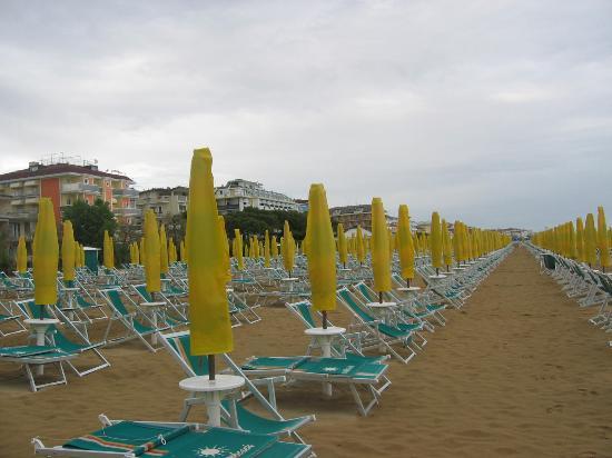 Hotel D'annunzio: beach