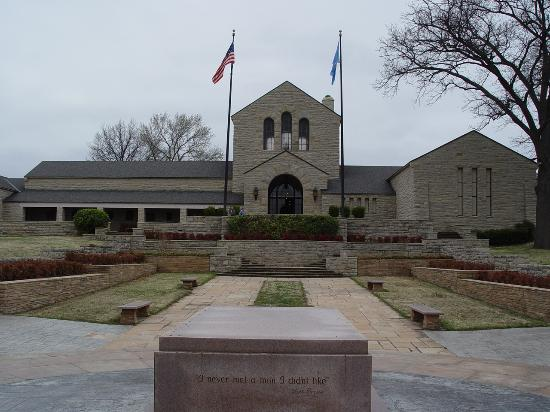 Claremore, OK: The Will Rogers Memorial and Museum