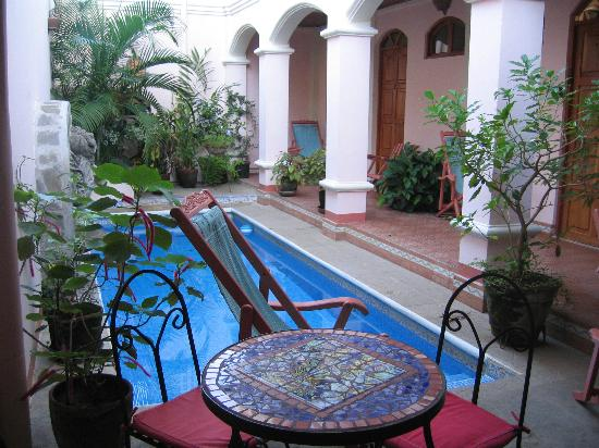 Casa San Francisco: a small but welcome pool on hot days