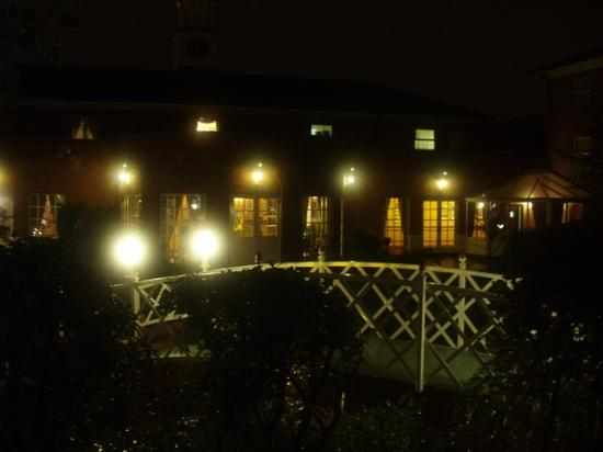 Village Hotel Chester St David's: View of the courtyard from our room at night