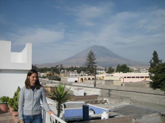 Las Torres de Ugarte : view of El Misti from the top terrace