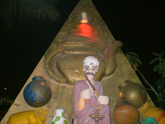 Dessole Aladdin Beach Resort: SMOKE TENT