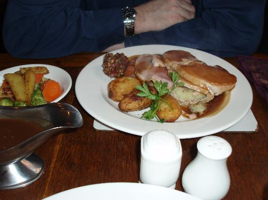 Cross Keys By Good Night Inns: Huge christmas dinner