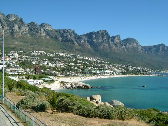 Camps bay photos featured images of camps bay cape town for Camping jardin botanique
