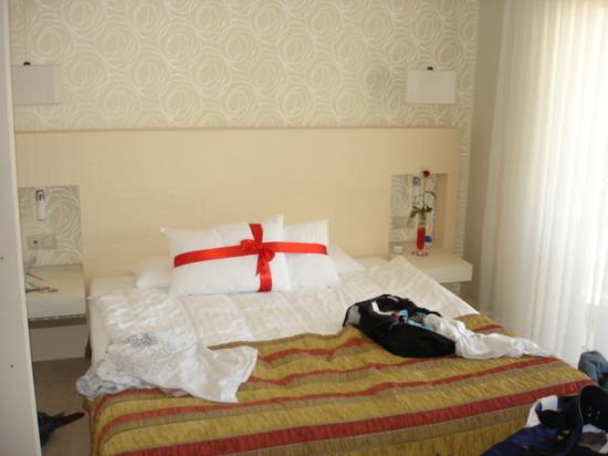 Sisus Hotel: our bedroom