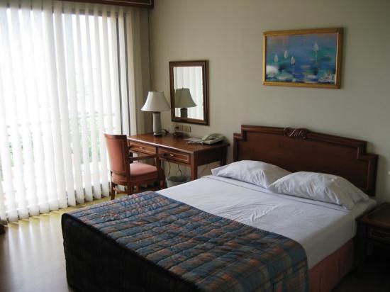 Evergreen Place Bangkok : Main bedroom
