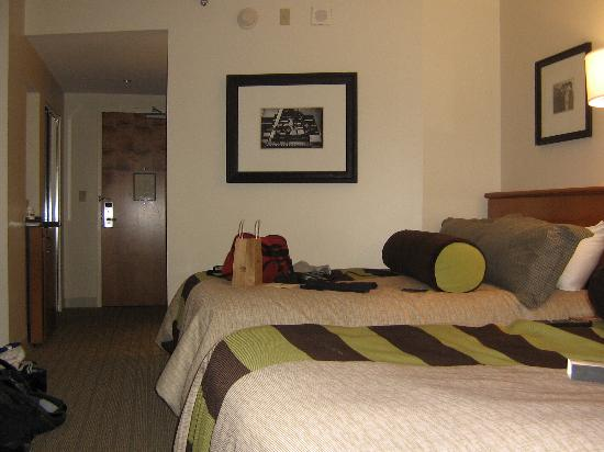 Hard Rock Hotel at Universal Orlando: nice new bedding