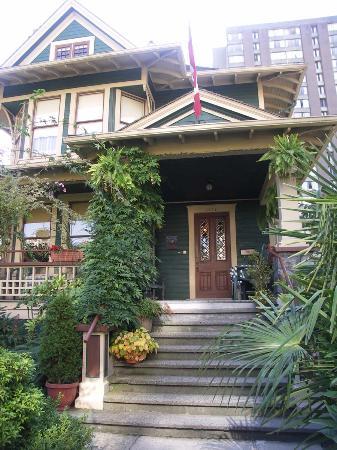 O Canada House: welcome